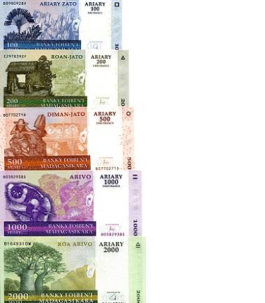 Madagascar Set 100;200;500;1000 Ariary 2004 UNC